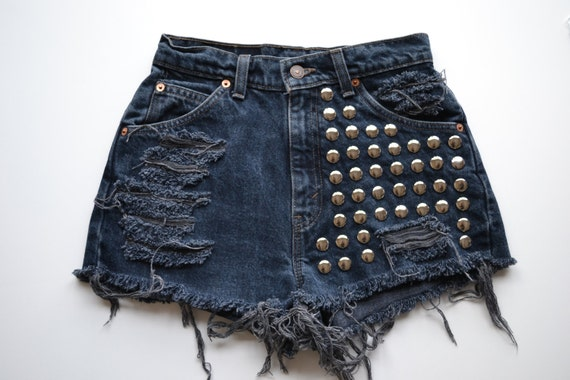 Round studded front