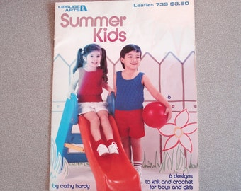Leisure Arts Knit And Crochet Leaflet SUMMER KIDS Issue 739.