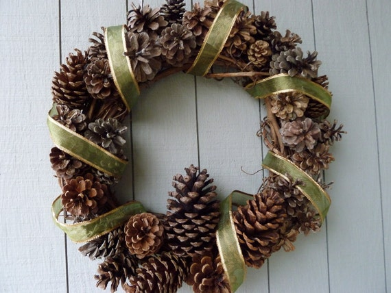 Green Holiday Pinecone Wreath 1.9