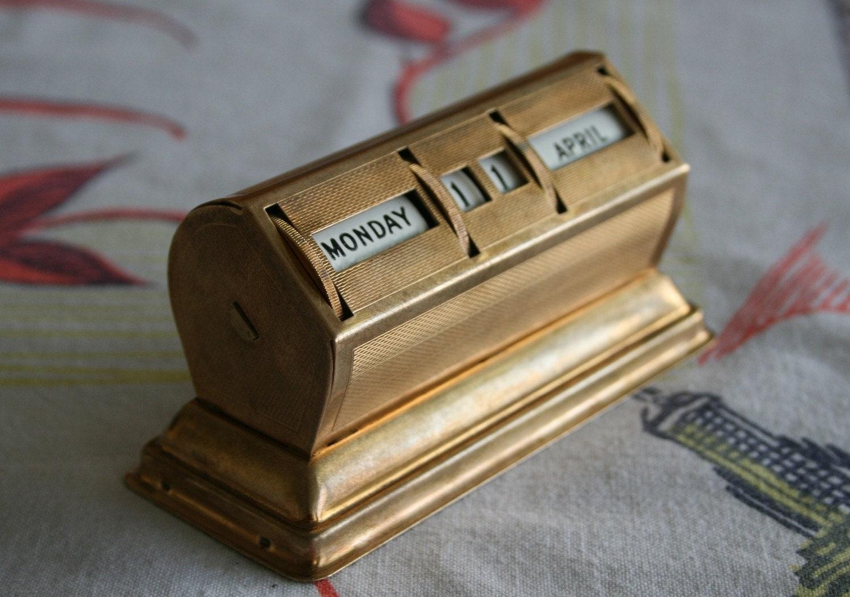 Perpetual Calendar Vintage : Vintage brass perpetual calendar