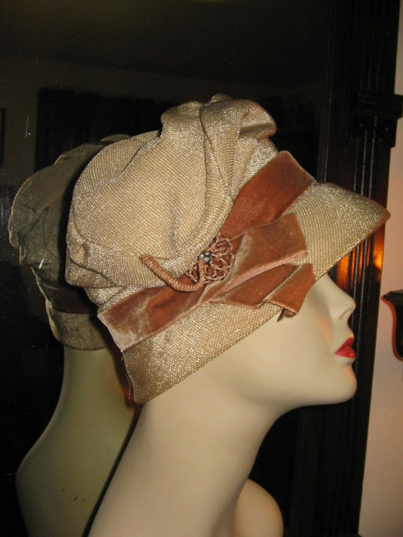 SALE BEAUTIFUL VINTAGE Straw Cloche by Martha Todd Flapper Style