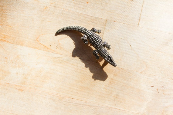 metal brooch : pin crocodile sixties