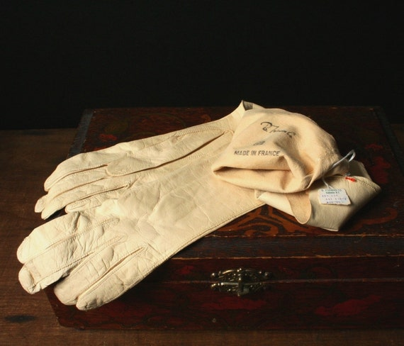 Soft Beige leather 3/4 length gloves, French kid skin gloves