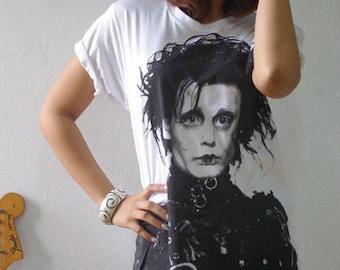 Edward Scissorhands Johnny Depp Tim Burton Hand  Printed T-Shirt L or XL