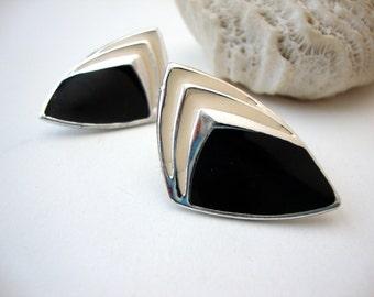 Modernist Enamel Earrings : Black Mountains vintage modernist black and cream silver tone enamel earrings