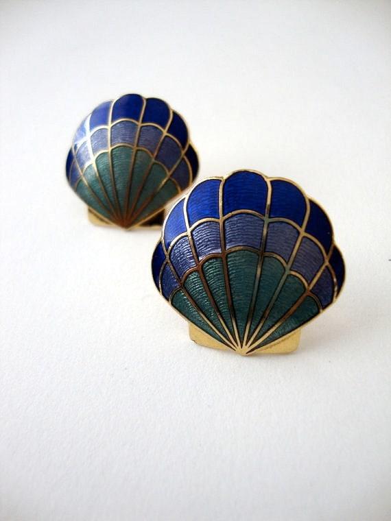 Up and Away vintage seashell enamel earrings