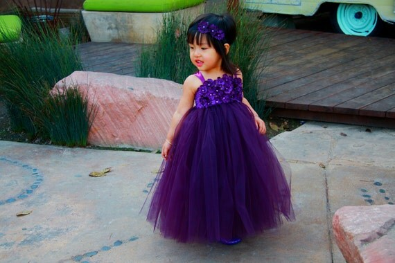 Reserved listing for Regina's Wedding: Coral TuTu Dress in size 7