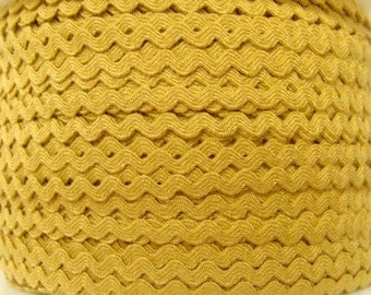 """11/64"""" Polyester Ric Rac - Antique Gold"""