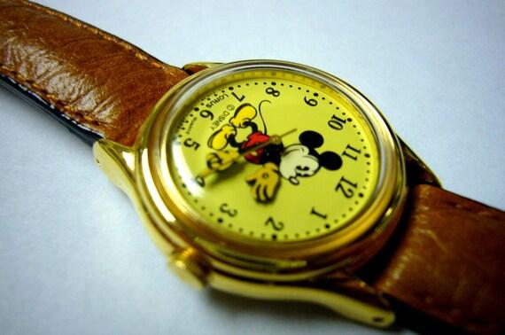 Wrist watch Vintage Wristwatch Mickey Mouse Watch by Lorus 1980's Walt Disney Watch
