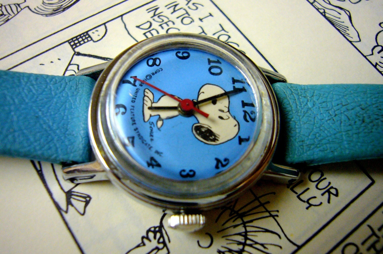Wrist watch snoopy wristwatch vintage watch peanuts cartoon for Snoopy watches