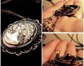 ON SALE Vintage Unique Iridescent Cameo Necklace