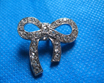 8 Sparkling Clear Crystal Rhinestone Bow Buttons