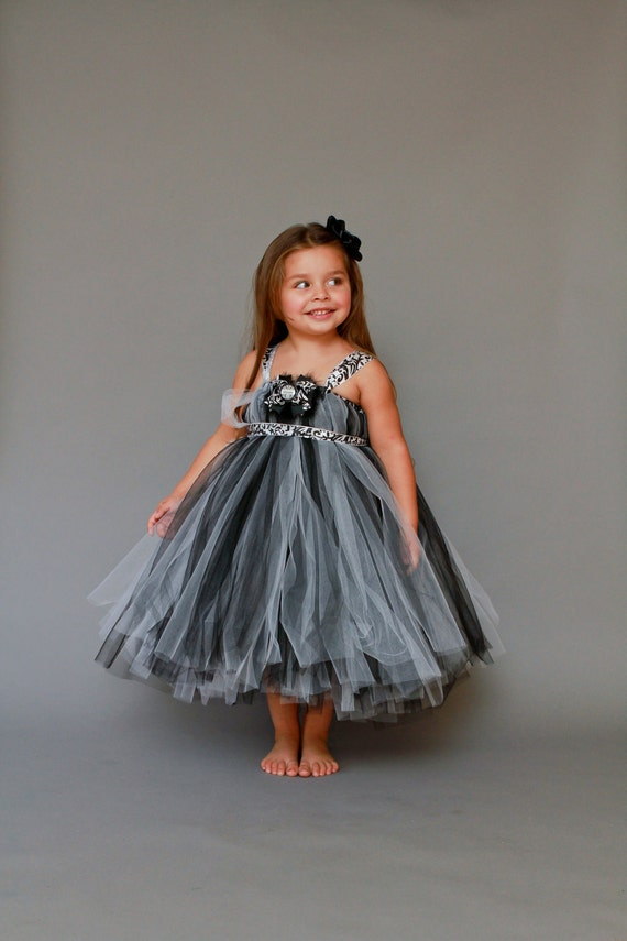 Items similar to The Kaylee..Simply Elegant Black and ...