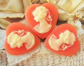 10pcs Pretty Heart Victorian Cabochon.16 x17mm.Ivory on Coral