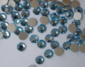 72  pcs  swarovski  flat back crystal,Aquamarine,SS9