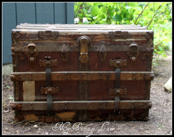 Vintage Late 1800s Early 1900 S Wooden Trunk By Myvintagelane