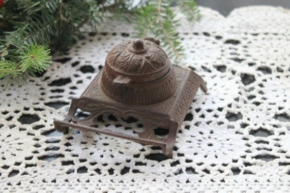 Antique Victorian Cast Iron Ink Well
