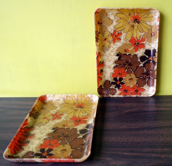 CLEARANCE 2 Matching Floral Fiberglass Serving Dining Trays