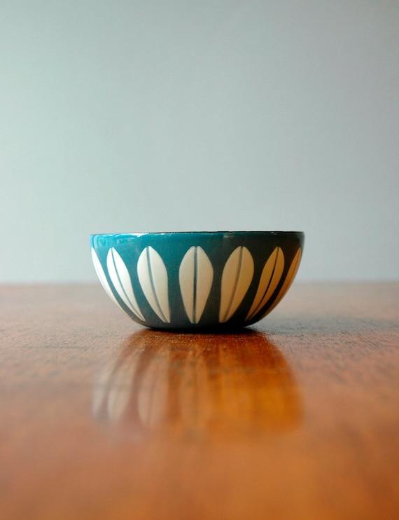 Vintage Cathrineholm Lotus Bowl - Tiny Blue / White