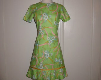 Vintage 1960s Don-About Nelly Don Sweet Floral Dress with Short Sleeves and Pleated Hem