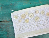 Coin Purse, White Linen with Crochet Trim and Vintage Buttons, Wallet, Bag, Pouch, All White