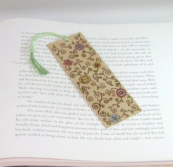 Wooden bookmark - Hand Pyrography - Mothers Day Spring Flowers