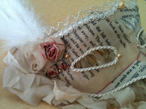 Lady Literary / Venetian Vintage Style Mask