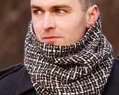 Stunning Cowl Scarf 100 % Wool Beautiful Scarf