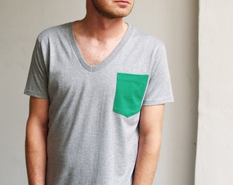 Green Pocket V-neck T-shirt - Organic Cotton Mens T-shirt