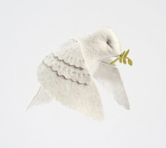 Dove in flight PDF pattern, peace dove, holiday dove, white dove, DIY sewing, beginner sewing, crafts for kids, dove ornament