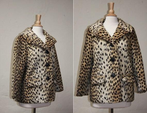 Vintage 60s Leopard Print Faux Fur Coat// Medium