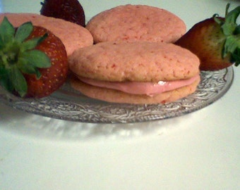Strawberries and Cream Sandwich Cookies (12 cookies)
