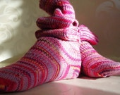 KNITTED WOOL SOCKS - Pretty in pink - Knee High - small.
