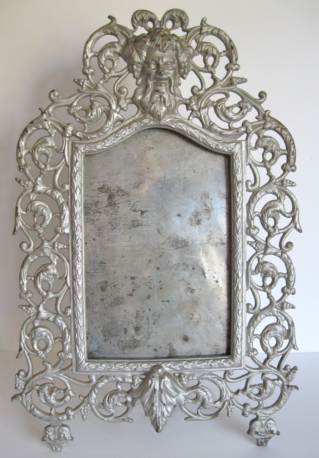 vintage gothic metal picture frame silver frame with ornate. Black Bedroom Furniture Sets. Home Design Ideas