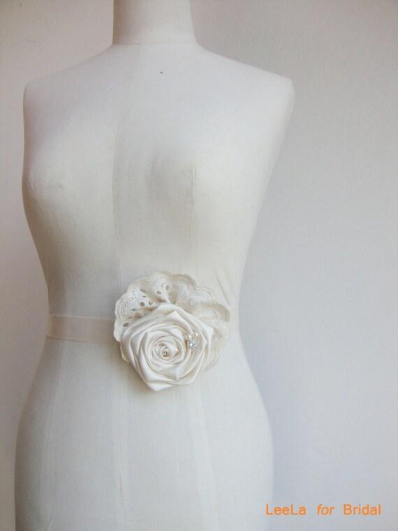 Ivory Rose Bridal Lace Sash Belt - Shabby Chic Wedding - Vintage inspired