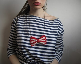 crochet bow necklace red white stripes playful charming girly kawaii