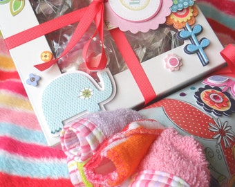 Deluxe Baby Gift Set // 14 pcs // Bodysuits, Bibs, Wash cloths, and Booties Cupcake Set & Washcloth Bouquet
