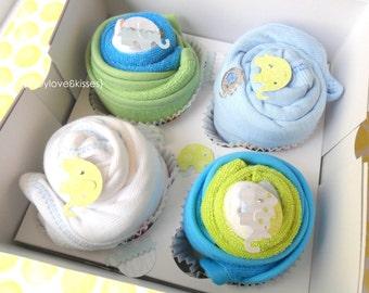 2 Bodysuits, 2 Bibs, 2 Washcloths and 2 Booties Baby Cupcake Gift Set / / / Baby Shower Gift, New Baby Gift