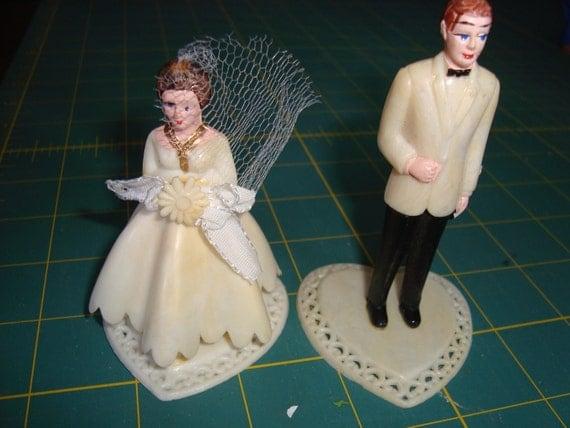 Cutest Bride & Groom Wedding Cake Topper