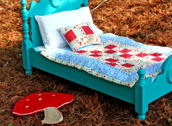 18 in American Girl . Bitty Baby . Waldorf Doll . Quilt Patchwork Pillow Bedding Mushroom Rug 3 pc set