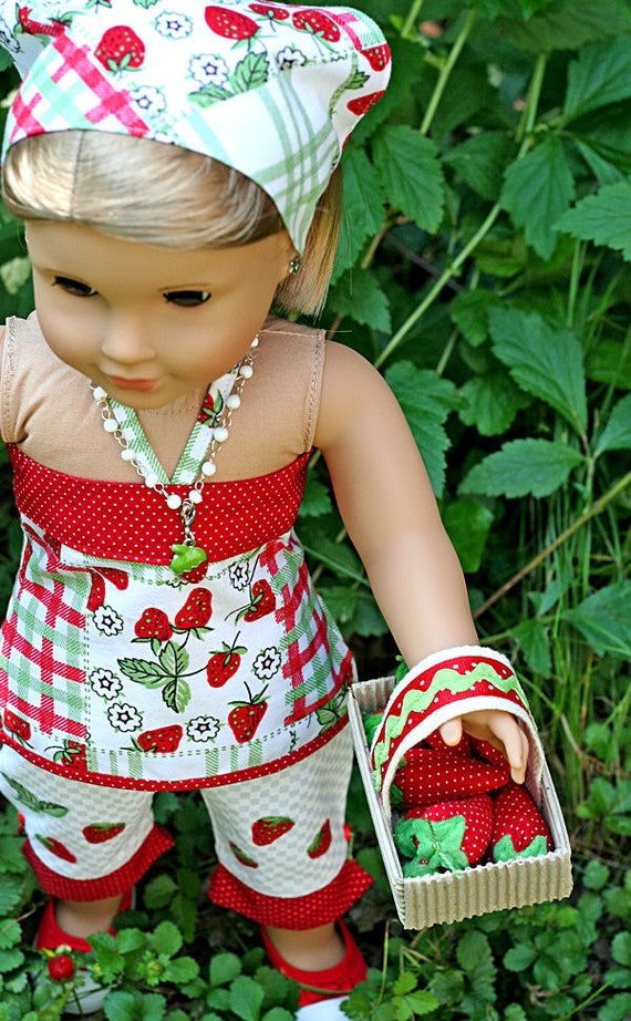 American Girl Doll 5 pc Strawberry Patch Outfit . Bandeau Top . Capris . Kerchief . Necklace . Basket of Strawberries