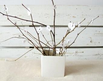 Crochet White Anemone Flowers (35pcs)
