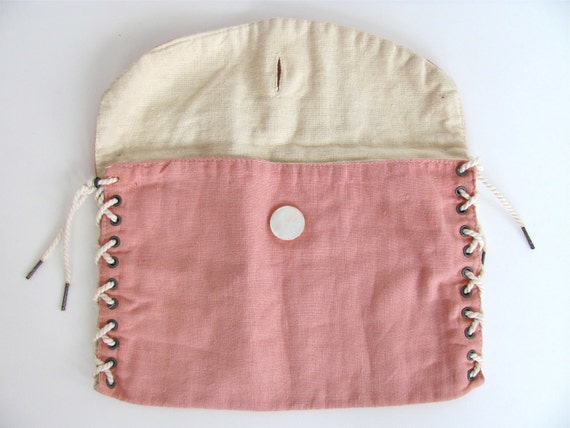 1960s BOOK BAG pink with pearl button
