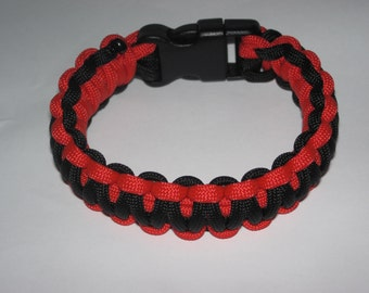 """Paracord Survival Bracelet - Black and Red - with 5/8"""" Buckle"""