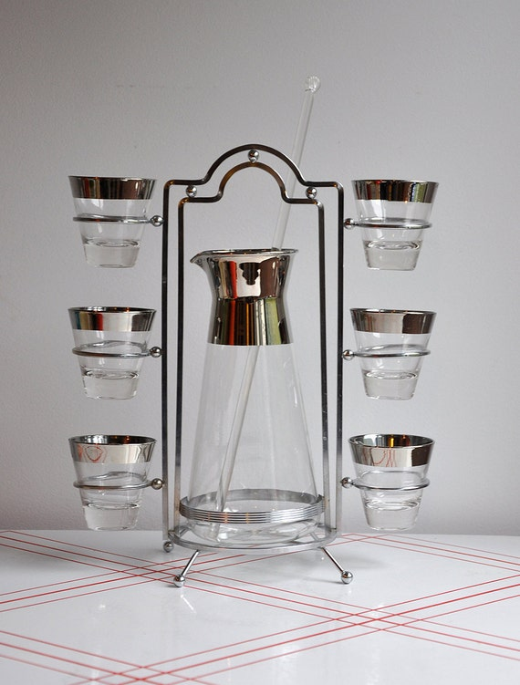 SALE 25% OFF Dorothy Thorpe Pitcher & 8 Glass Set