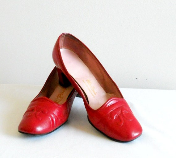 PICCOLINO Red Leather Pumps  Size 8 1/2 wide