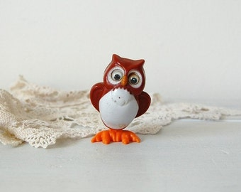 Vintage 1977 Tomy wind up owl toy