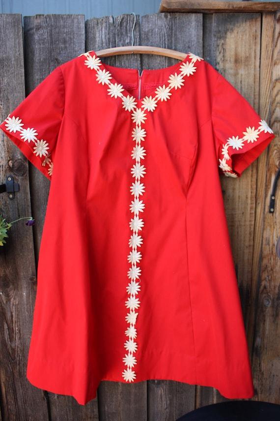Vintage 1960's 70's Hippie Flower Child Cherry Red Dress Daisy Chain XL