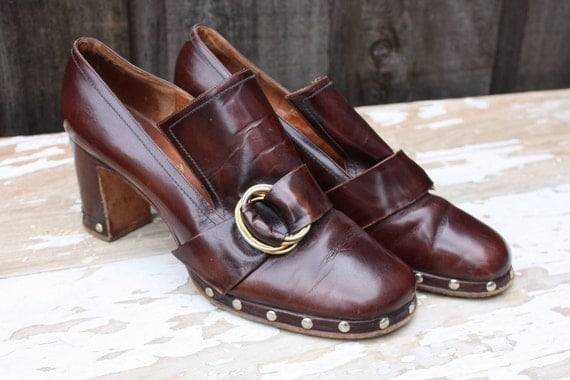 Women's Vintage 1960's Chocolate Leather Heeled Loafers Hand Made in Italy Domani 7N