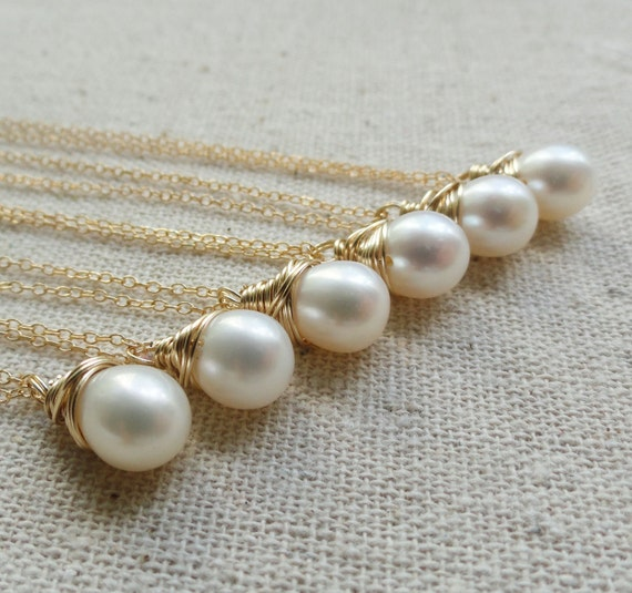 Bridesmaid gifts set of 8: Eight pearl necklaces in gold fill, bridesmaid necklaces, freshwater pearls, pearl solitaires